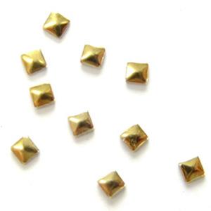 MysticFlakes メタルスタッズ スクエア 2mm ゴールド 50P